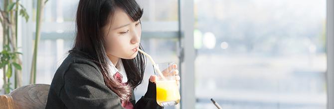 「カフェでの勉強はなぜ効率が上がる?」サムネイル画像